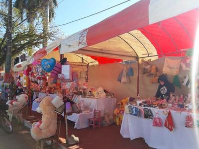 Feria por el Día de la Amistad en Coronel Oviedo – Prensa 5
