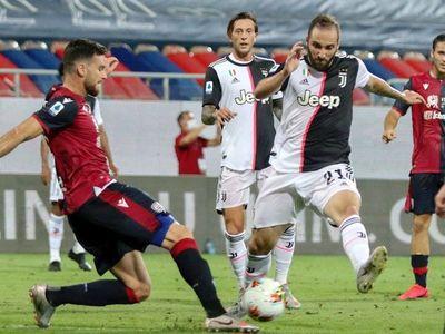 Roma clasifica a Europa League y Cagliari castiga distracción de Juventus