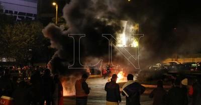 CDE: Incidentes en zona primaria en protesta por retroceso de fase