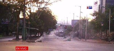 Comercios saqueados y calles destrozadas, el día después en Ciudad del Este