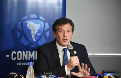 HOY / Presidente de la Conmebol felicita a la Asociación Paraguaya por el retorno del fútbol