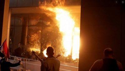 Gobierno corrupto encendió la llama y delincuentes infiltrados  desvirtuaron la manifestación convocada por trabajadores y comerciantes de CDE