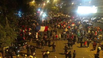 Detienen a 57 manifestantes tras disturbios en CDE
