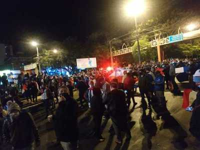 57 personas quedaron detenidas tras manifestaciones en Alto Paraná