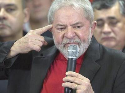 """Lula acusa a Bolsonaro de ser el """"lamebotas"""" de EEUU"""