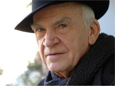 Milan Kundera dona su biblioteca y archivo a su ciudad natal