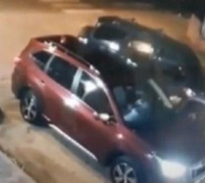 Captan asalto con toma de rehén en Asunción