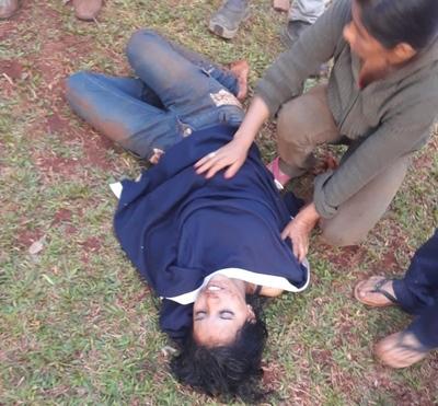 Vecinos rescatan a una mujer que cayó a un pozo