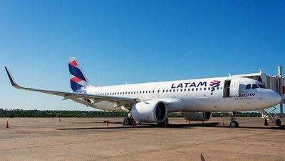 Trabajadores de Latam Paraguay exigen reinicio de vuelos
