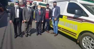 Embajada de Corea donó ambulancias para ciudades del interior del país