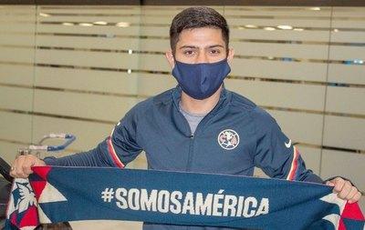 Sergio Díaz ya se puso el sombrero mariachi