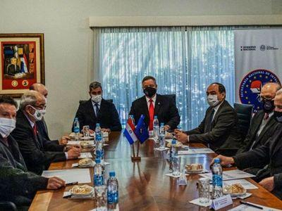 Abdo  reunió  a  equipo de inteligencia tras el estallido en CDE