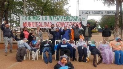 Instalan carpa de la resistencia en espera de intervención municipal