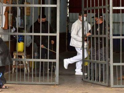 Suman 17 reclusos contagiados con Covid-19 en la cárcel de Tacumbú