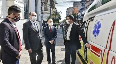 Pedro Juan y otros municipios reciben ambulancias donadas por bomberos coreanos jubilados