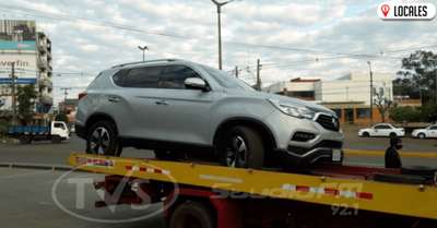 Ebrio al volante chocó contra un vehículo estacionado en Encarnación
