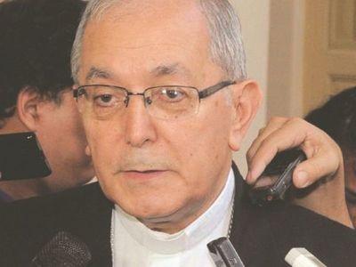 Arzobispo declara hoy en juicio contra pa'i