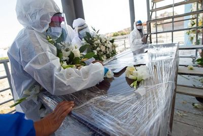 Casi 674.000 muertos por coronavirus