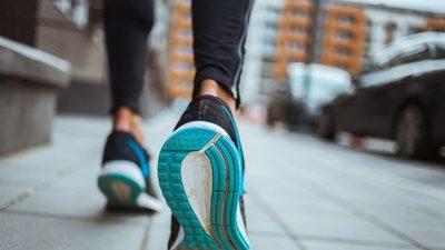 ¿Cuánto se debe caminar para bajar de peso?