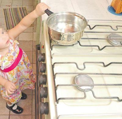Alertan sobre aumento de quemaduras en niños en el hogar