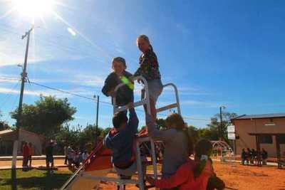 Presentan investigación sobre adopción y reinserción familiar de niñas, niños y adolescentes