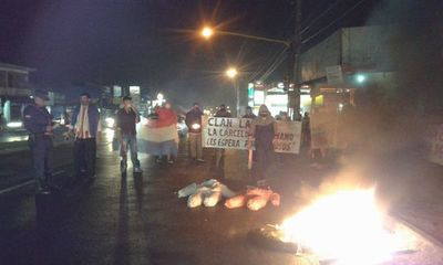 Pobladores de Ñemby se manifiestan contra el clan Lanzoni y el lento actuar de Fiscalía