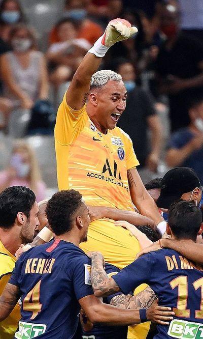 Keylor da al PSG la Copa de la Liga