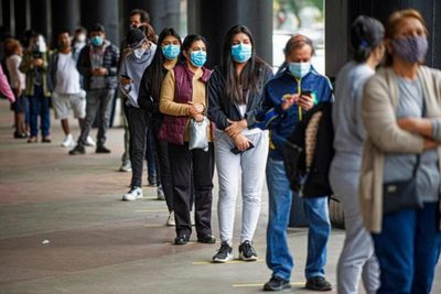 Peruanos retiraron US$ 5.500 millones en fondos de pensiones por la pandemia