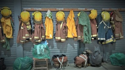 Los bomberos son nuestros héroes de la vida cotidiana
