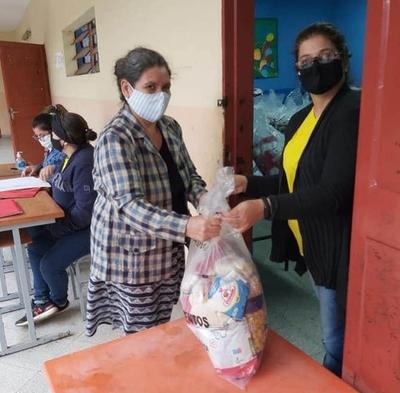 Concluye sexta distribución de kits de alimentos en escuelas y colegios de Asunción