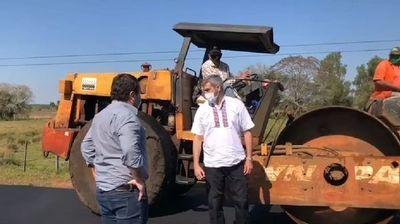 Mario Abdo Benítez verifica avance de obras en Ayolas
