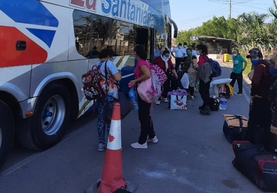 Ingresan 68 paraguayos provenientes de Argentina