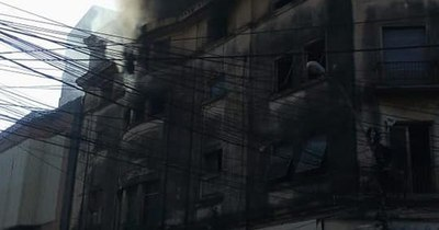 Controlan incendio en edificio del excine Victoria