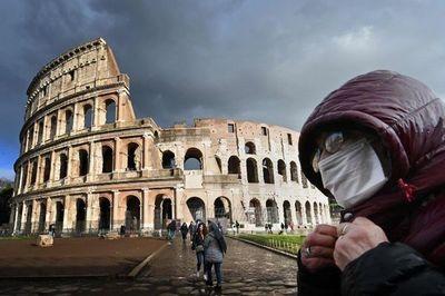 Economía de Italia se contrae 12,4%
