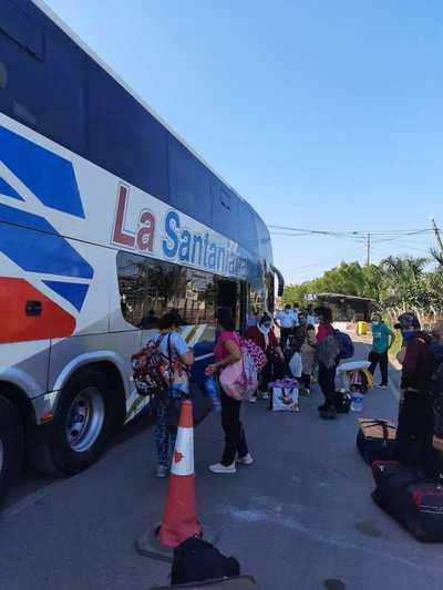 Continúan llegando: Casi 70 compatriotas volvieron hoy al país