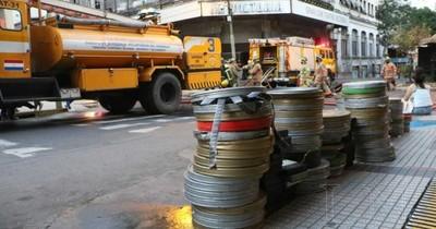 Bomberos rescatan rollos de películas tras incendio del excine Victoria
