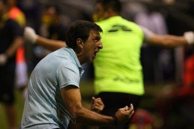 A Gustavo Costas le 'enloqueció' el nivel de su equipo