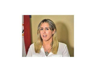 """Esposo de  fiscala Fúster """"no ha actuado de secretario de Óscar González Daher en JEM"""""""