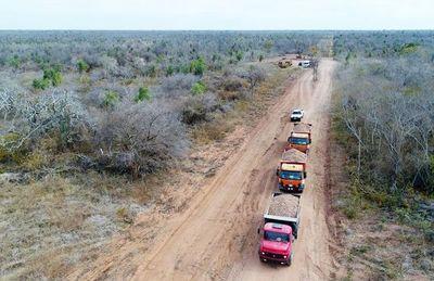Los primeros kilómetros de enripiado del Alto Chaco colocan en Agua Dulce