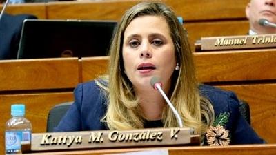 Kattya González destroza a Marito y Benigno por Pytyvõ 2.0