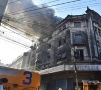 Ex Cine y Teatro Victoria se incendió