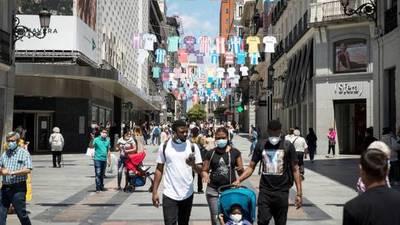 España aplica aislamientos selectivos de municipios para contener el contagio