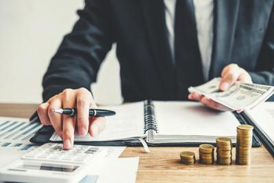El 55% de las utilidades bancarias son por comisiones