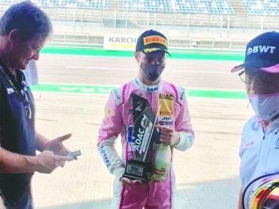 El mitã'i que logró el podio en la Fórmula 4