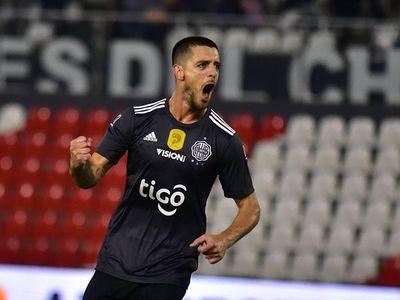 Ale Silva, habilitado para jugar