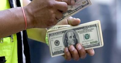 El dólar arranca la semana alejado de los G. 7.000