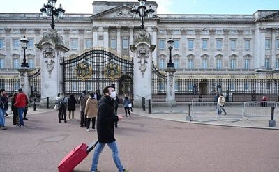 Reino Unido revisa las opciones de lucha contra Covid-19