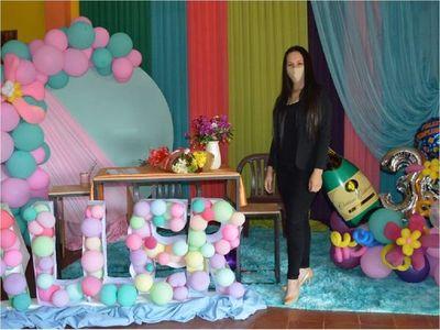 Luchó contra el cáncer, venció y ahora enseña decoración virtual gratis
