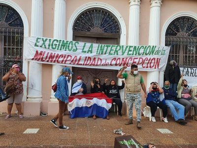 Indignados toman la Municipalidad de Concepción
