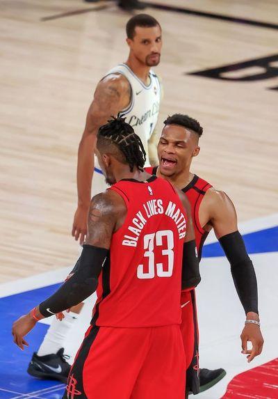Rockets pueden con Bucks
